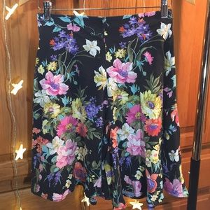 Vintage 90s High Waisted Floral Cotton Shorts 28